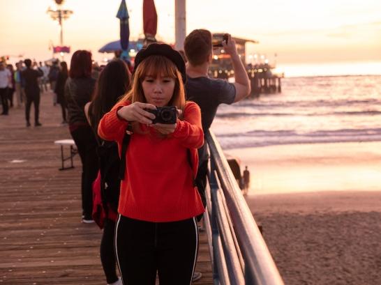 SelfieSeries-LadyinRedSantaMonica-Pier