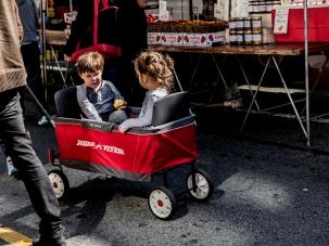 StreetPhotography-FarmersMarket-Twins